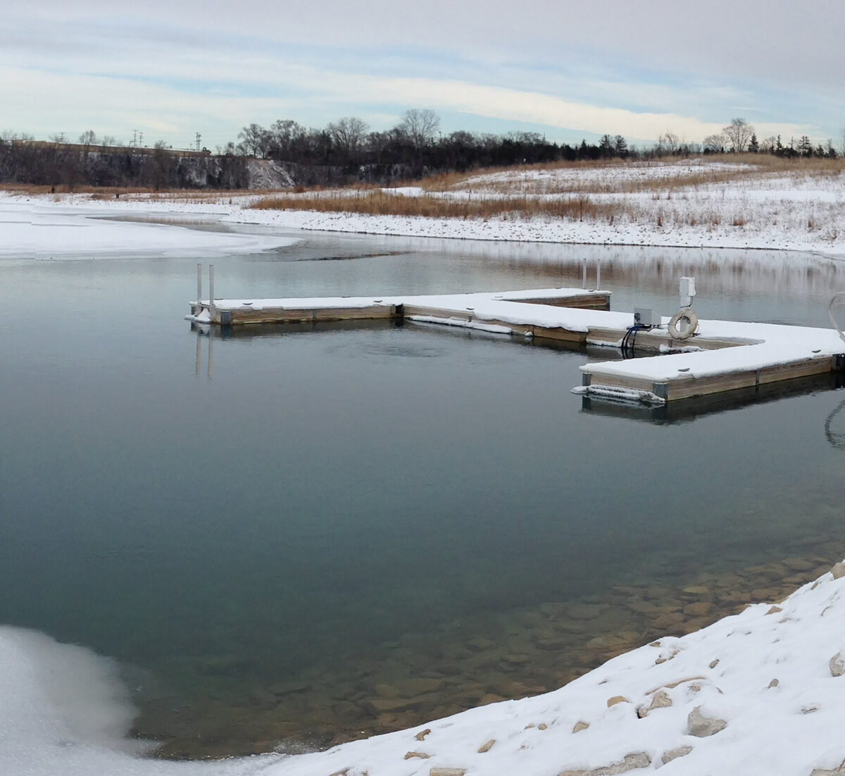 winter dock with aeration